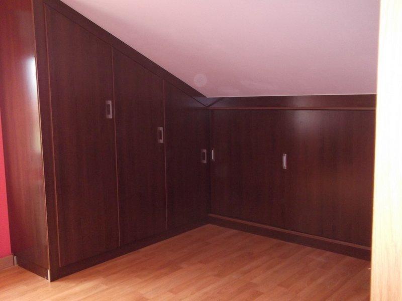 Muebles buhardilla si lo que necesitas es suavizar la luz - Muebles para buhardillas ...